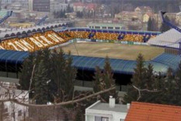 Na štadióne by malo podľa plánov ministerstva školstva pribudnúť ďalších 2420 miest.