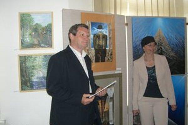 Hlavnú cenu získal výtvarník Štefan Packa za koláže Pocta Martinovi Martinčekovi a Zvedavý pohľad.