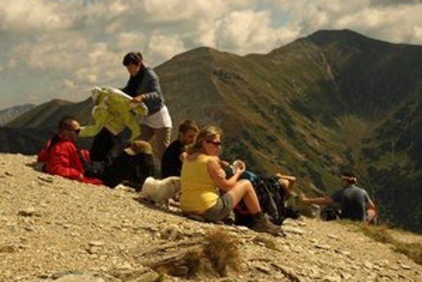 Hory sú rovnako krásne vždy. Turisti si však budú musieť zvyknúť na príjemné aj menej príjemnejšie zmeny.