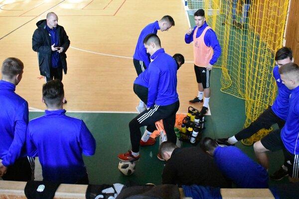 Michalovčania absolvovali prvý tréning prípravy v športovej hale.