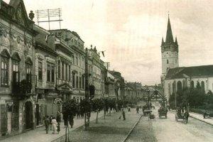 Prešov na historickej pohľadnici z roku 1947.