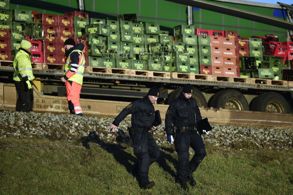 Pri nehode na železnici zomrelo osem ľudí.
