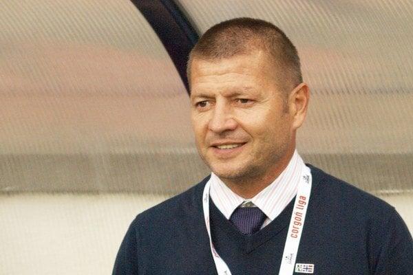 Tréner futbalistov spod Čebraťa Jozef Vukušič.