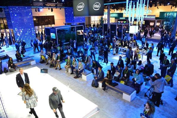 Intel aj AMD na veľtrhu CES v Las Vegas predstavili nové procesory a riešenia čipov pre počítače a iné zariadenia.