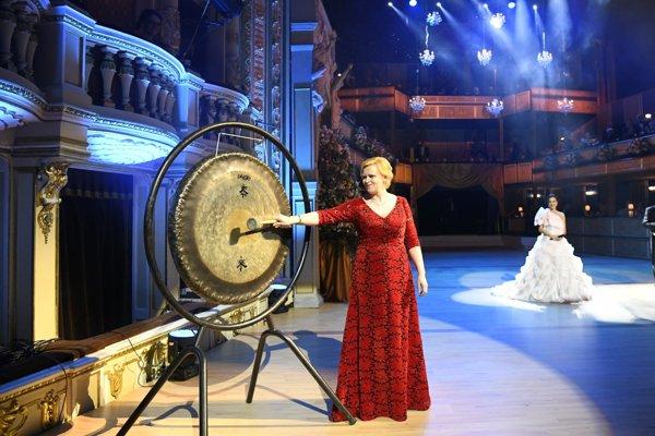 Ples v opere otvorila Terézia Drdulová.
