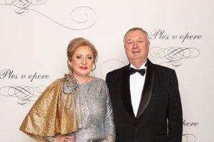 Elena Kohútiková, prvá žena slovenského bankovníctva s manželom Michalom Kozákom