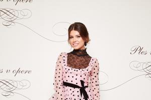 Štylistka hodnotí najkrajšie šaty Plesu v opere 2019 - zena.sme.sk 873d36d9cd3