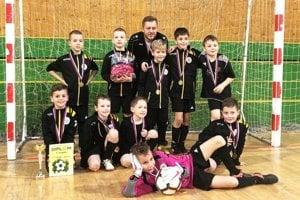 Futbalisti FC Slovan Galanta U9 vyhrali turnaj v Leviciach.