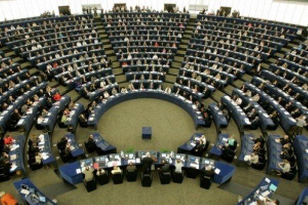 Na trinástich kreslách budú v Európskom parlamente sedieť zástupcovia Slovenska.