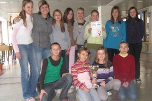 Dievčatá zo ZŠ Slovenských partizánov obsadili druhú priečku.