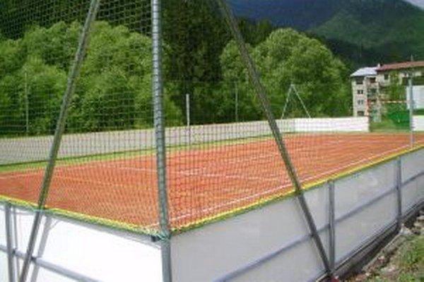 Multifunkčné ihrisko môžu v zime využiť aj na korčuľovanie.