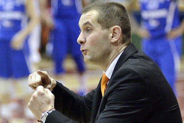 Tréner Ružomberka Juraj Suja.