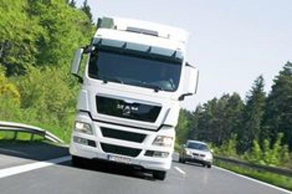 Problémy s kamiónmi chcú v Liptovskom Hrádku poslať do minulosti.