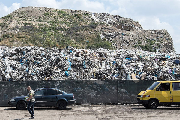Uloženie odpadu na skládke bude z roka na rok drahšie.