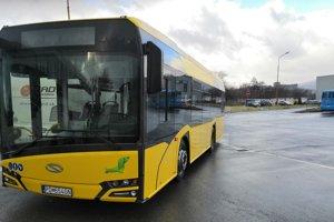 1fadb16b1 Nový autobus v Prievidzi. (6 fotografií) · PRIEVIDZA. Dopravca, ktorý  vykonáva mestskú hromadnú dopravu ...