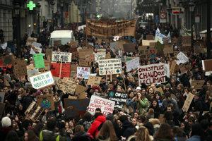 Pochod študentov v Bruseli za ochranu životného prostredia.