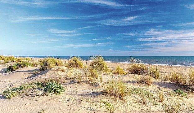 Španielsko, pobrežie a pláž.