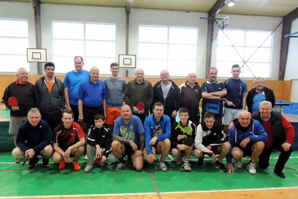 Účastníci turnaja v Jacovciach.