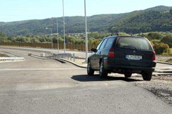 Ak Európska komisia výstavbu diaľnice odsúhlasí, ministerstvo by malo vyhlásiť súťaž v budúcom roku.
