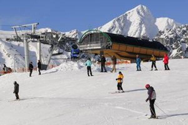Radosť z lyžovačky a zjazdovky nebude len na Štrbskom Plese (na fotografii), ale od budúceho roka aj na Malinom Brde.