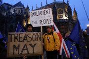 Mayová chce znova rokovať s Bruselom.