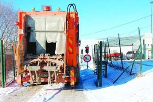 Kontrola nezistila žiadne pochybenia a inšpekcia povolila mestu prevádzkovanie, monitorovanie a uzatvorenie skládky odpadu do konca októbra 2014.
