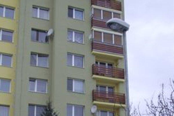 Bývalý primátor Ján Blcháč vyjadril k správe hlavnej kontrolórky týkajúcej sa verejného osvetlenia nesúhlas.