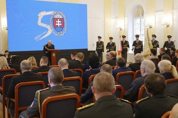 Generálny riaditeľ ZVJS Milan Ivan sa prihovára počas slávnostného zhromaždenia v Bratislave.