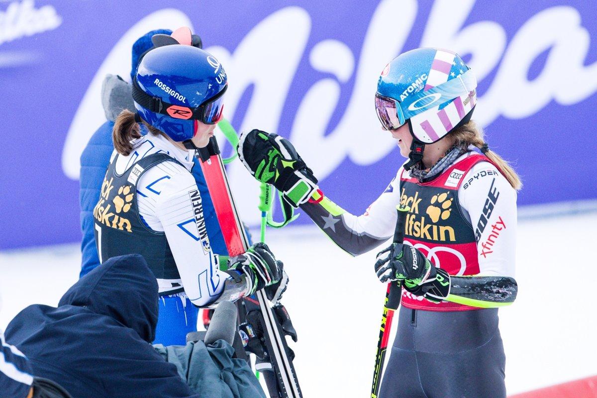 faae54c56 FOTO Vlhová a Shiffrinová vyhrali spolu obrovský slalom - Šport SME