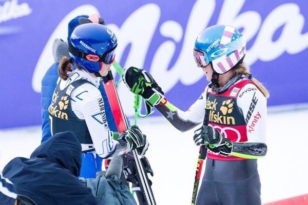 Petra Vlhová (vľavo) a Mikaela Shiffrinová.