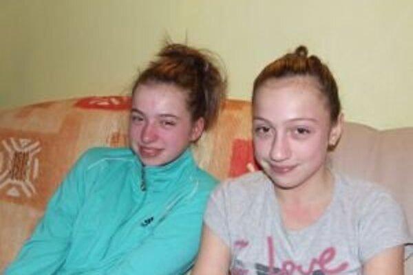 Svetlana a Monika sa venujú športovej gymnastike aj plávaniu.