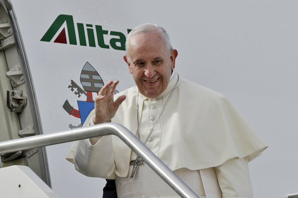 Pápež František pred historickou návštevou Spojených arabských emirátov.