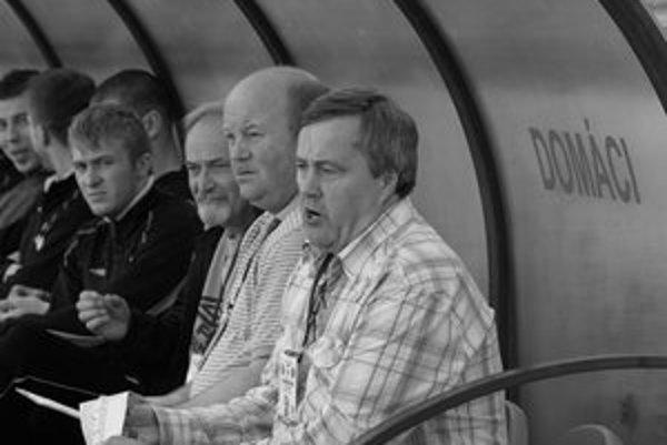 Ešte pred pár dňami sa ale o trénerovi Rusnákovi hovorilo ako o istom novom kormidelníkovi ružomberského A mužstva.