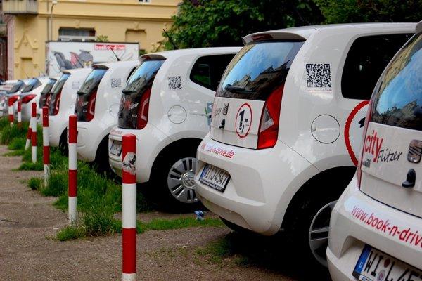 Zdieľané automobily budú využívať neziskovky.