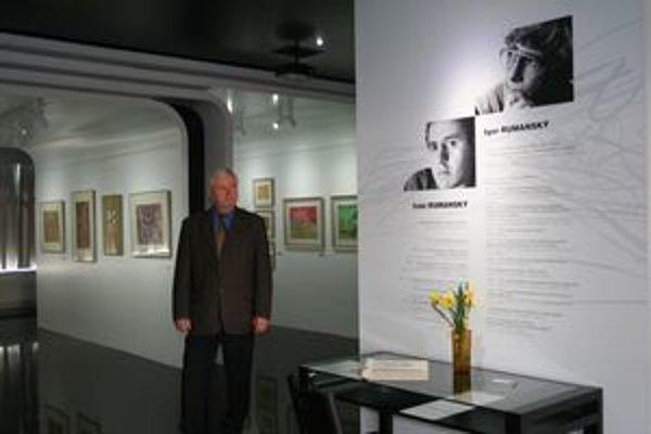 Michal Rumanský v novej galérii, ktorá je venovaná predovšetkým jeho bratom Ivanovi a Igorovi.