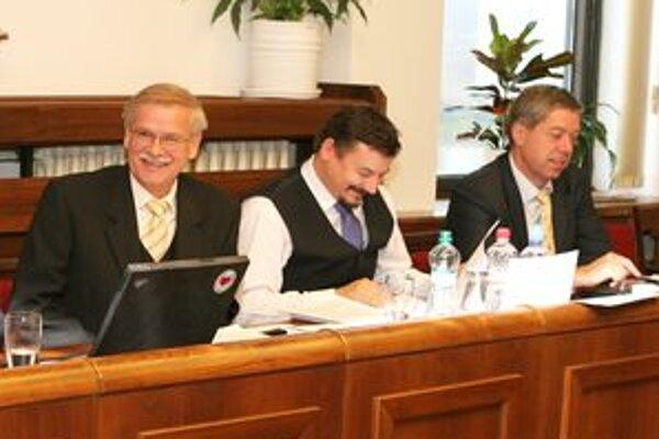 Alexander Slafkovský (vľavo) je poslancom v parlamente už tretíkrát.