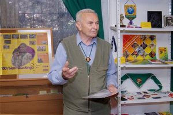 Václav Rubeš ostal verný skautingu napriek problémom s eštébé. V Ružomberku založil Skautské múzeum.