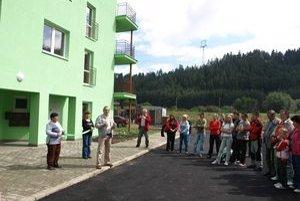 Do nových bytoviek v Podturni sa nasťahovalo dvadsaťosem rodín. Ďalšiu chcú dokončiť koncom augusta.