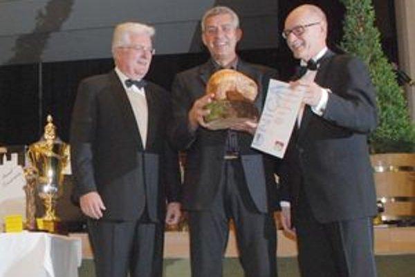 Film V Uhlisku nad Porúbkou získal nielen striebro, ale i špeciálnu cenu UNICA za film zobrazujúci svet zvierat