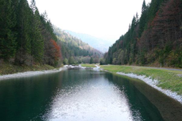 Vyšný Tajch stráži hlboké lesy v závere Ľubochnianskej doliny.