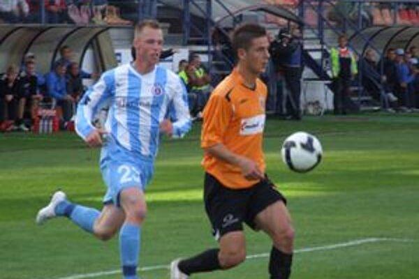 Ružomberčania skúšajú do tímu zapracovať viacerých nových hráčov.