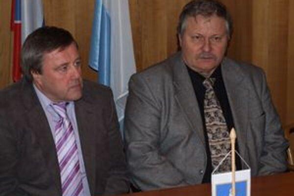 Vladimír Rusnák starší (vľavo) s asistentom Ľubomírom Páleníkom.