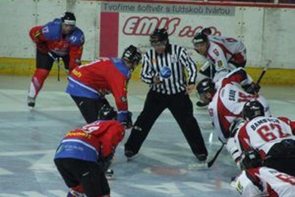 O víťazovi stredoslovenského derby rozhodli až samostatné nájazdy.