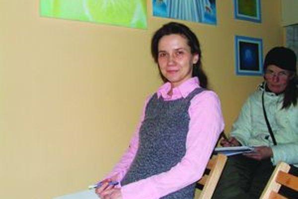 Aneta Mišovie vždy siahne po modrej farbe, ktorá ju pri tvorbe obrazov a ilustrácií priťahuje.