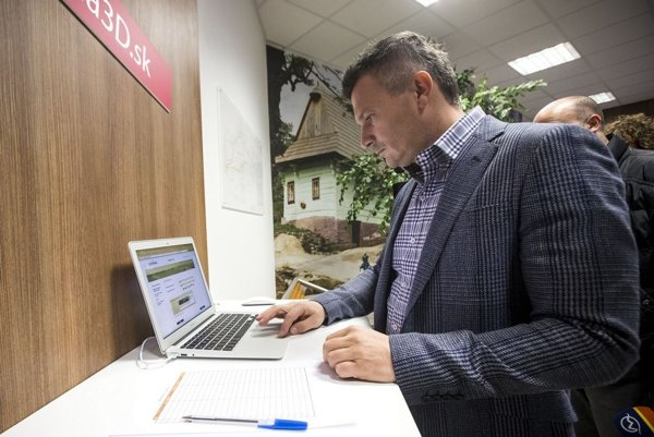 Minister dopravy Ján Počiatek pred voľbami rozbehol niekoľko veľkých IT tendrov z nových eurofondov.