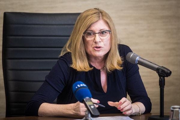Ministerka Matečná.