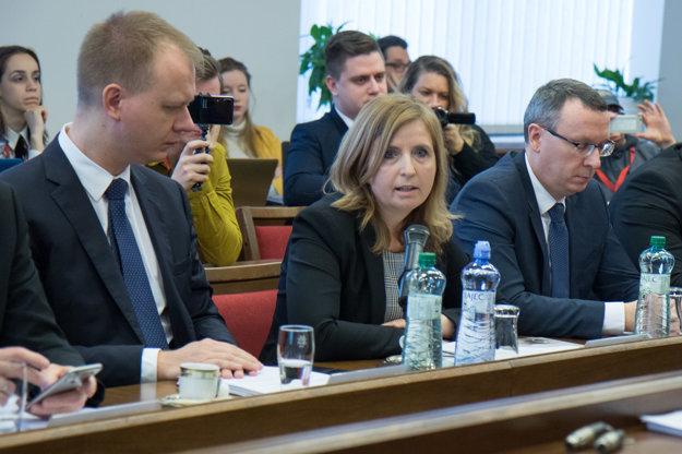 Členovia výboru Miroslav Beblavý a Irén Sárközy