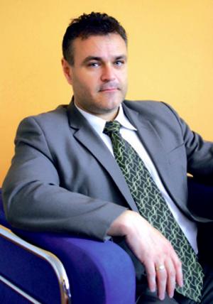 Dekan Strojníckej fakulty Žilinskej univerzity v Žiline: prof. Dr. Ing. MILAN SÁGA