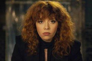 Natasha Lyonne si vytvorila postavu neustále umierajúcej Nadie Vulvokov.