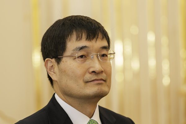 Na snímke mimoriadny a splnomocnený veľvyslanec Kórejskej republiky v Slovenskej republike so sídlom v Bratislave Byung Hwa Chung.